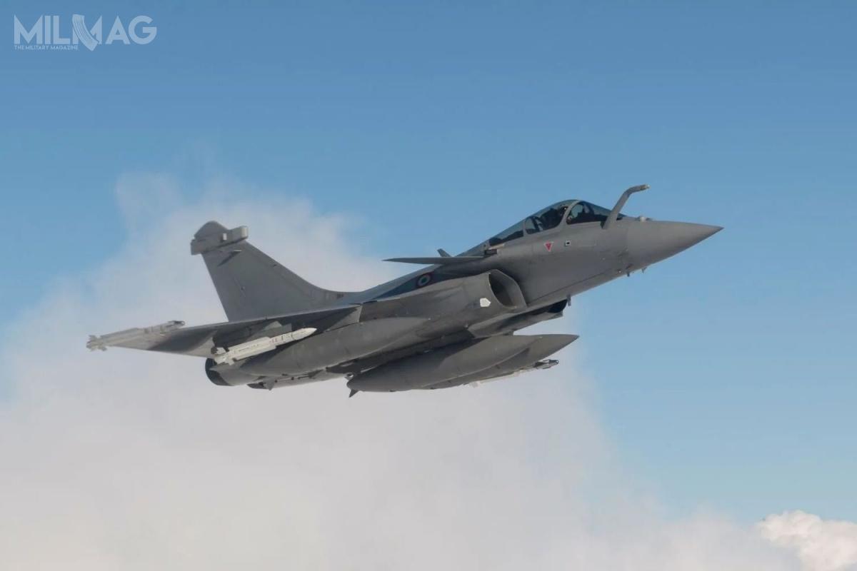Ministerstwo obrony Grecji zamówiło weFrancji osiemnaście samolotów wielozadaniowych Dassault Rafale F3-R/F3-O4T wraz zpakietem wsparcia eksploatacji. Zastąpią najstarsze egzemplarze samolotów Dassault Mirage 2000 wwersji EGM, dostarczonych wlatach 1980 / Zdjęcie: Dassault Aviation