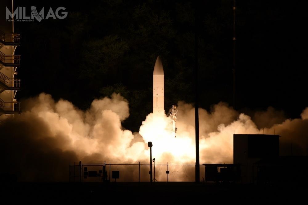 Centrum Uzbrojenia Nuklearnego Sił Powietrznych USA opublikowało zapytanie oinformację wsprawie możliwości opracowania hipersonicznego pocisku szybującego zgłowicą termojądrową. Dotejpory inicjatywy amerykańskich sił zbrojnych wtejmaterii ograniczały się domożliwości zastosowania konwencjonalnych głowic naznacznie mniejszych dystansach / Zdjęcie: Departament Obrony USA