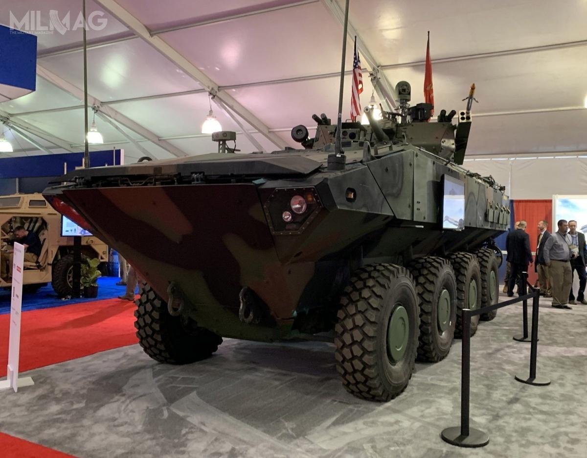 ACV 1.1 jest napędzany 6-cylindrowym silnikiem wysokoprężnym omocy 700 KM. Podwozie ma masę własną 15 t imaksymalną dopuszczalną 24 t. Załoga liczy trzech żołnierzy (dowódca, kierowca istrzelec). Napokładzie można przewozić od8do13 żołnierzy desantu wzależności odkonfiguracji. Zasięg nalądzie wynosi 800 km, awwodzie 64 km, przy prędkości maksymalnej, odpowiednio, 105 i10 km/h. ACV można przemieszczać drogą powietrzną napokładzie samolotów transportowych klasy C-130 Hercules iA400M Atlas / Zdjęcie: BAE Systems