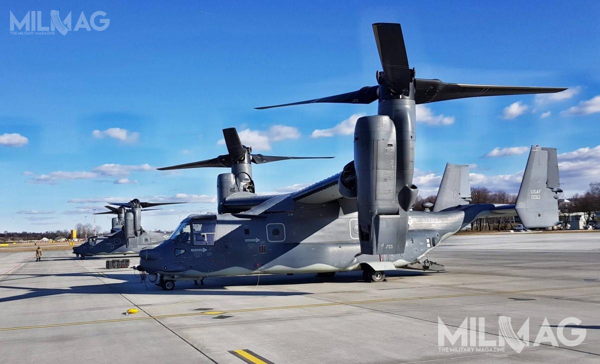 CV-22B Osprey napotrzeby AFSOC wyposażono wdodatkowe zbiorniki paliwa wskrzydłach (dzięki czemu zwiększono zapas paliwa o2230 litrów), radiolokatory doomijania przeszkód terenowych AN/APQ-186 orazsystemy samoobrony AN/ALQ-211 iAN/AAQ-24 Nemesis. Dodatkowo wkabinie mogą zostać zainstalowane dwa dodatkowe zbiorniki paliwa opojemności 760 lub 1630 litrów / Zdjęcie: Jakub Link-Lenczowski