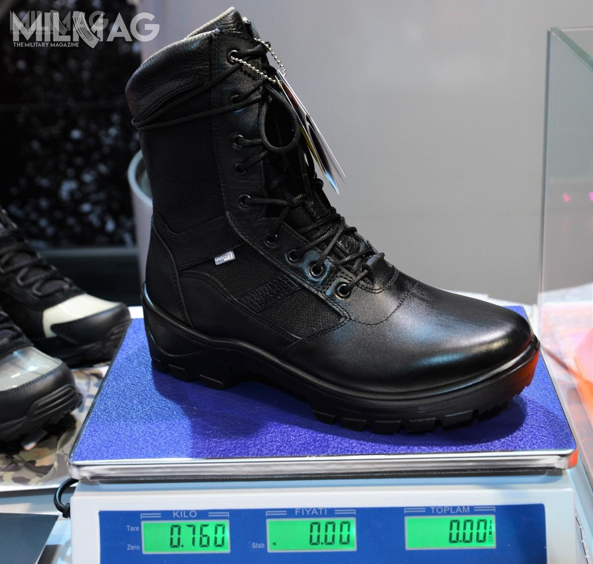 Manufacturer assures that Chivalry combat boot weights 760 g (26,8 oz) provides comfort for up to -38 °C