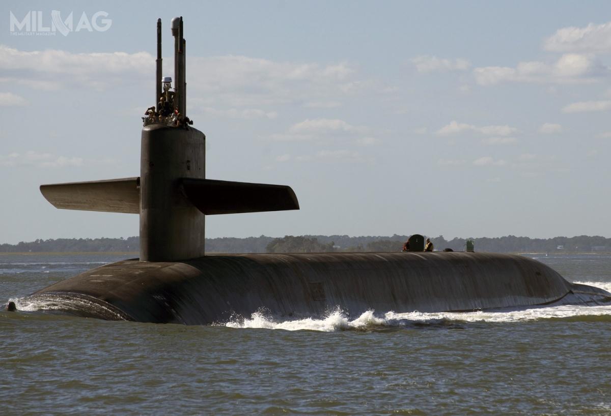 Jeden lub dwa pociski balistyczne przenoszone przezstrategiczny okręt podwodny USS Tennessee (SSBN-734), typu Ohio miały zostać uzbrojone wzmodernizowaną głowicę jądrową W76-2 omocy zredukowanej do5-6 kT / Zdjęcie: US Navy
