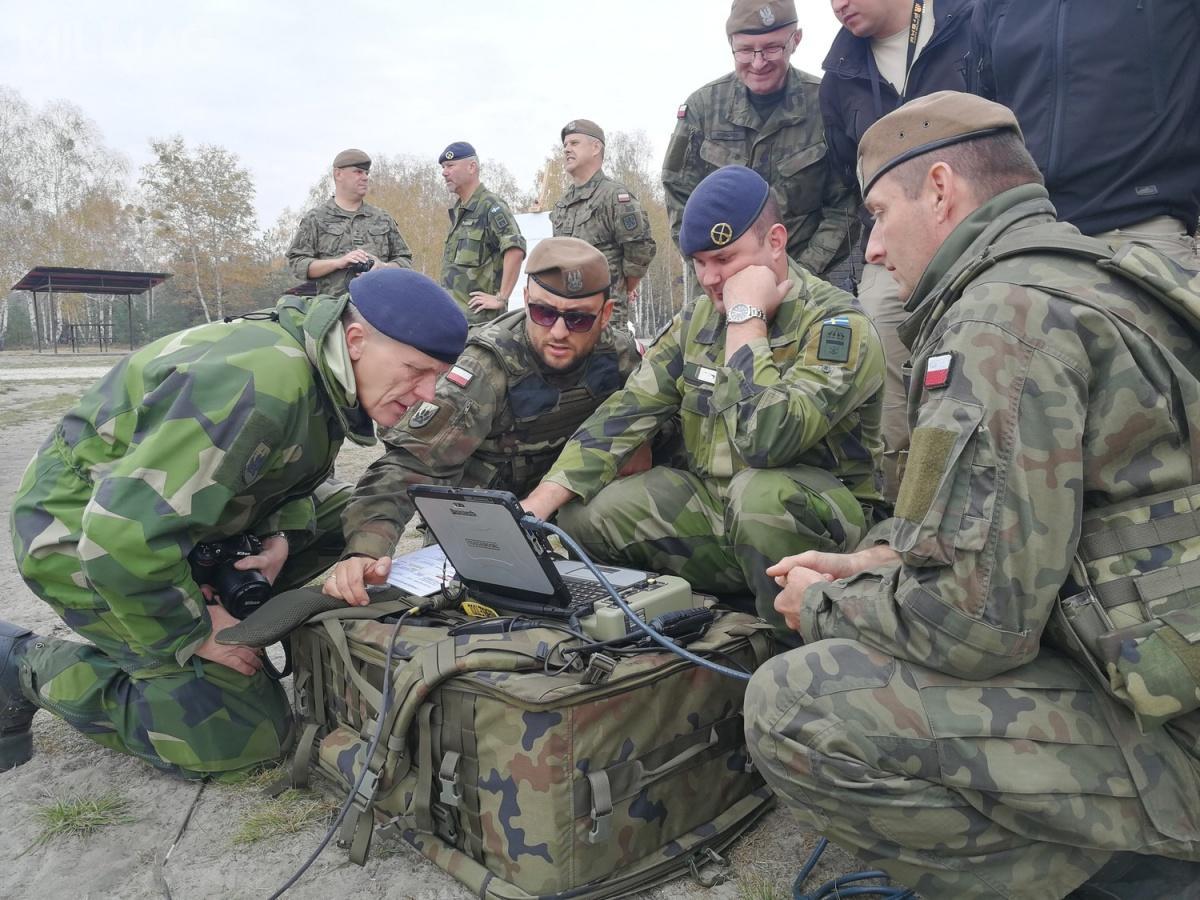 Prezentacja dla Hemvärnet miała miejsce krótko pozorganizowanej prze Grupę WB demonstracji systemu rozpoznawczo-uderzeniowego SWARM. /Zdjęcia: Grupa WB
