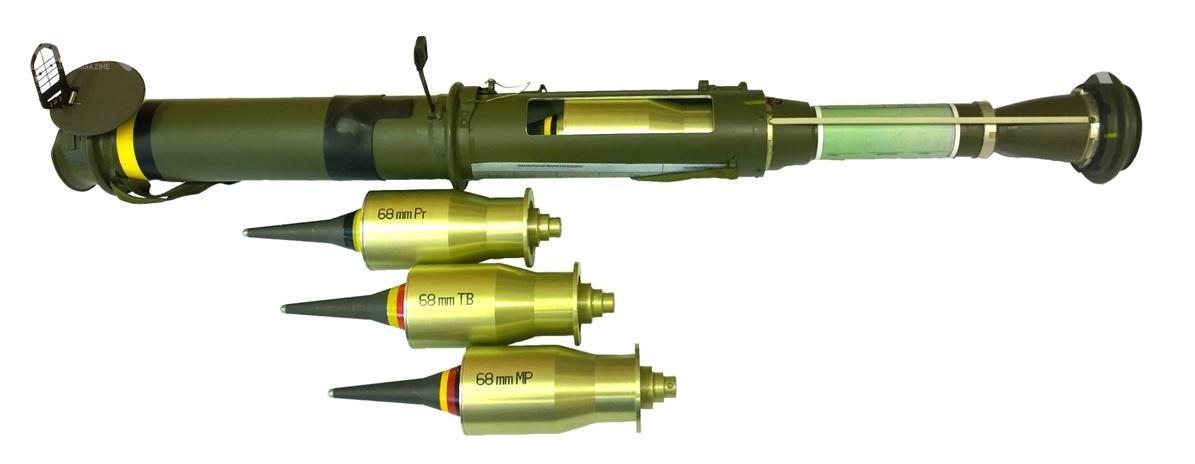 Wybrany przezJWG 68-mm jednorazowy granatnik zgłowicą przeciwpancerną (kumulacyjną) RPG-75-M jest trzecią konstrukcją zczeskiej rodziny bezodrzutowej broni wykorzystywaną przezpolskich komandosów. Wcześniej GROM kupił też RTG zgłowicą termobaryczną iRPG-75-MP zgłowicą termobaryczno-kumulacyjną / Zdjęcie: Nitro-Chem