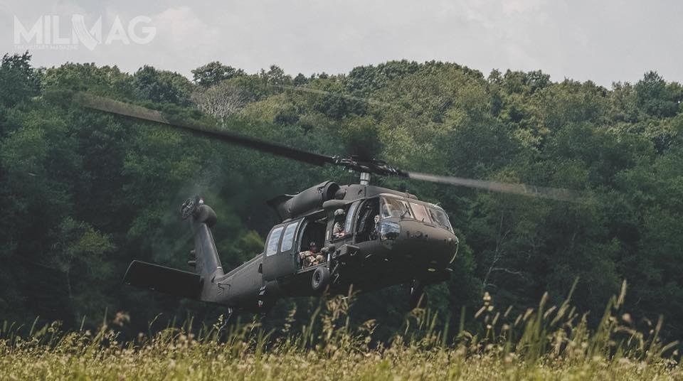 Wykonano także pierwsze skoki spadochronowe wstrefie zrzutu Gwardii Narodowej stanu Wirginia Zachodnia wReedsville Farm niedaleko Camp Dawson. / Zdjęcia: Edwin Wriston/US Army National Guard