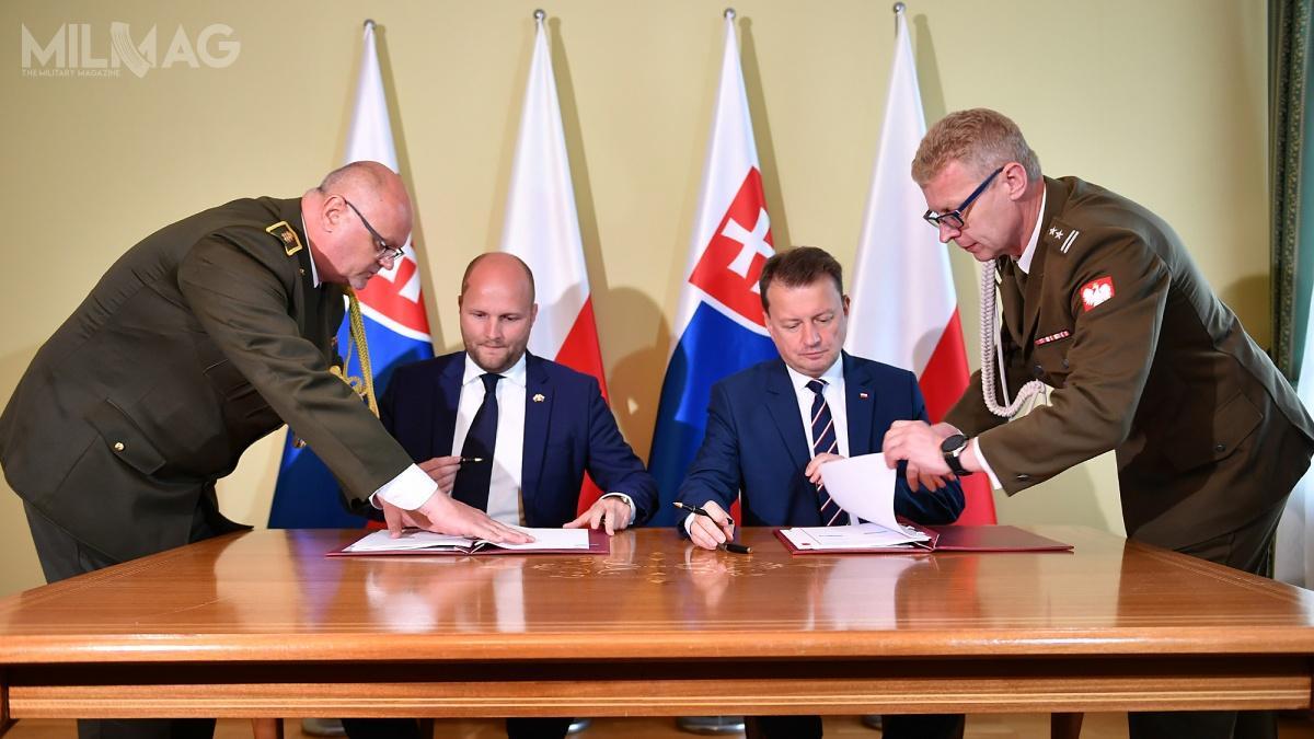 Ministrowie obrony Polski iSłowacji, Mariusz Błaszczak iJaroslav Naď, podpisali dwustronne porozumienie dotyczące współpracy lotnictwa wojskowego wzakresie szkoleń ićwiczeń