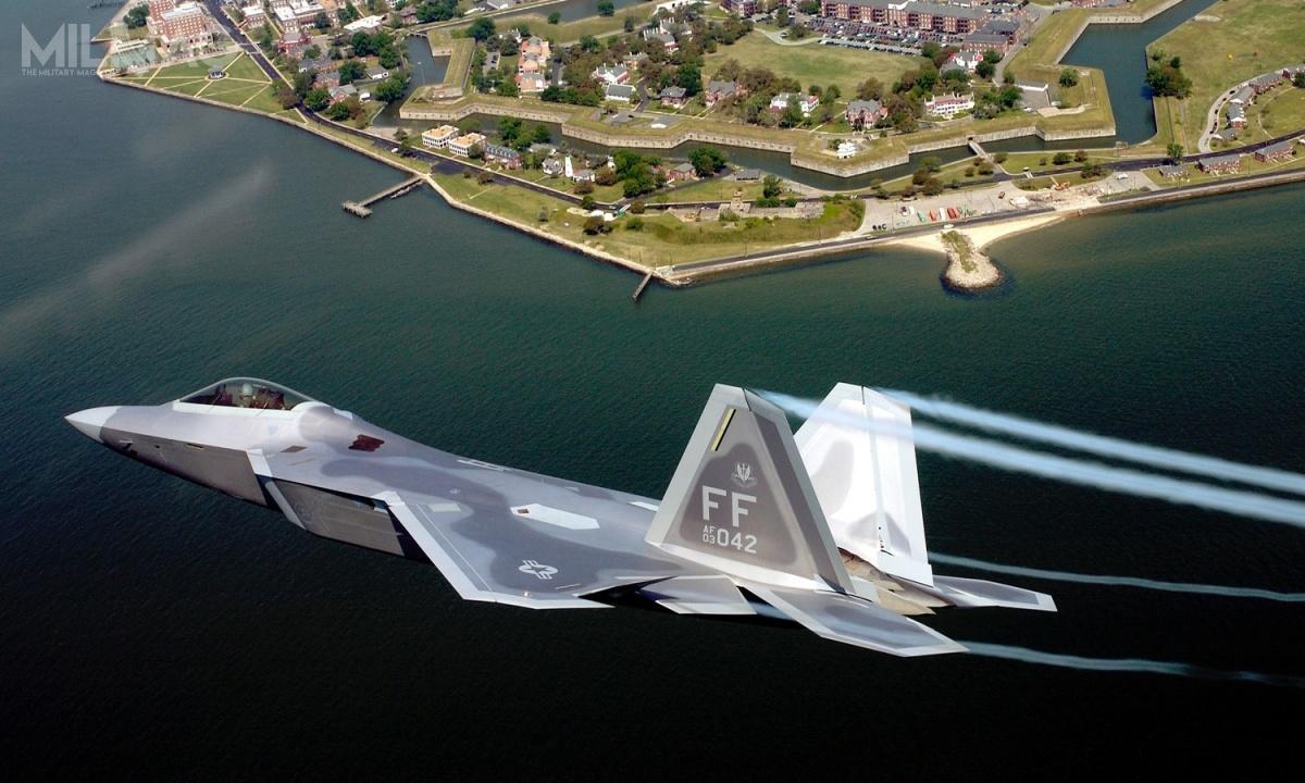Piątkowy wypadek był piątym whistorii programu, wwyniku któregosamolot 5. generacji F-22A Raptor został całkowicie rozbity / Zdjęcie: Tech. Sgt. Ben Bloker, USAF