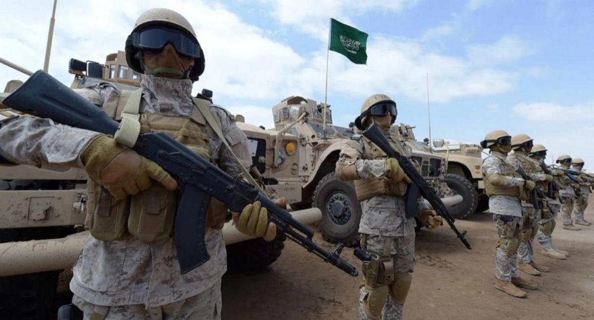 Rosja iArabia Saudyjska podpisały porozumienie dotyczące wspólnej produkcji broni strzeleckiej. Obejmuje wytwarzanie rosyjskich karabinków kałasznikowa iamunicji naPółwyspie Arabskim. / Zdjęcie: Alkhaleej