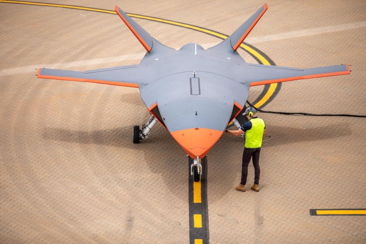 Boeing ATS ma 11,7 m długości. Wprzedniej części umieszczono modułową komorę ładunkową odługości 2,59 m ipojemności 147,5 tys. cm3. Promień działania ma wynieść nawet 3700 km. Donapędu wykorzystano lekki komercyjny silnik turboodrzutowy. Boeing deklaruje, żeseryjny ATS może kosztować jednostkowo ok. 2mln USD