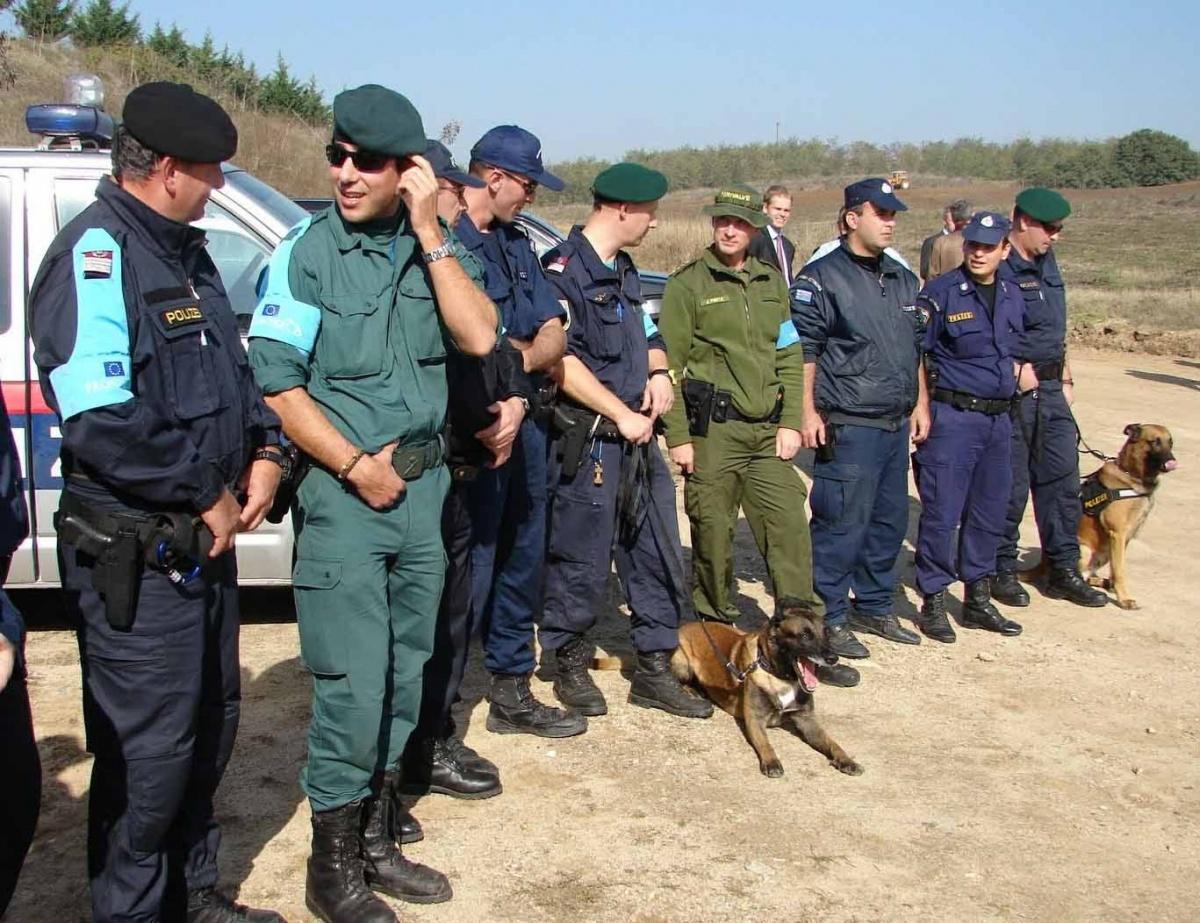 Europejska Agencja Straży Granicznej iPrzybrzeżnej (Frontex) opublikowała ogłoszenie dotyczące zakupu dużej partii 9-mm pistoletów samopowtarzalnych wraz zamunicją iakcesoriami / Zdjęcie: Frontex