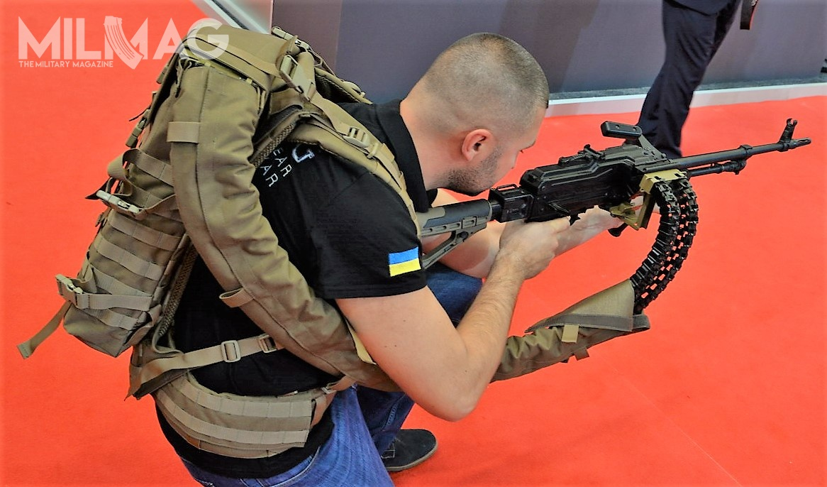 Ease of movement and comfortable carry of large quantities of ammunition were the designer`s objective